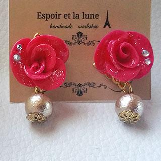 赤い薔薇とコットンパールピアス * Espoir et la lune
