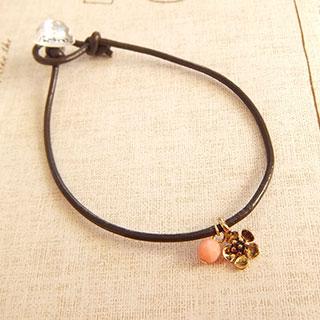 お花とピンクサンゴの革ブレス (アンティーク風) * fledelee