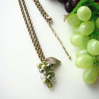 葡萄のネックレス(オリーブ)*Glassberry