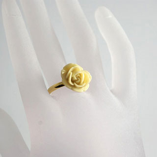 花の指輪・アイボリー*Luna Antique*