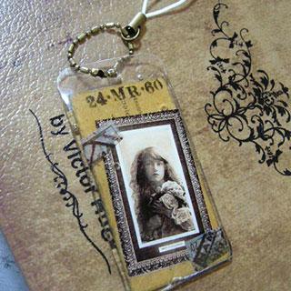 少女と旅の切符ストラップ*Luna Antique*