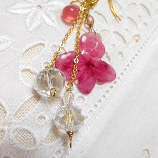 紫陽花と硝子のアシンメトリーピアス *Luna Antique*