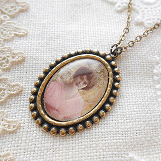 貴婦人のネックレス *Luna Antique*