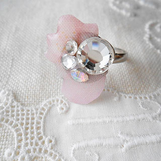花びらの宝物リング *Luna Antique*