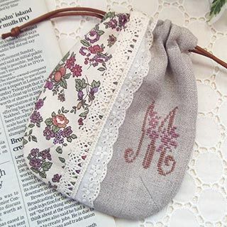 クロスステッチ刺繍のミニ巾着・M * mille fleurs*