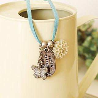 カボションと水色のひものネックレス *Miaou 626*