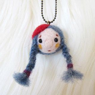 紺毛三つ編みちゃん 赤ベレー帽 * natsuco
