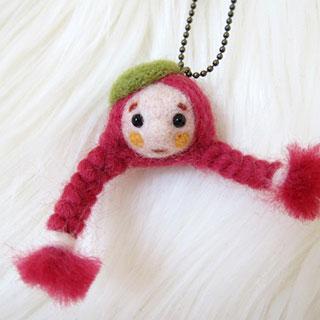 赤毛三つ編みちゃん 緑ベレー帽 * natsuco