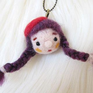 紫毛三つ編みちゃん 赤ベレー帽 * natsuco