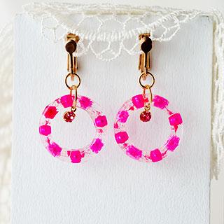 ピンクに彩るイヤリング * nyankana