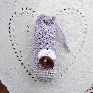 お花と編みこみビーズの シャチハタ用ケース * Ours blanc