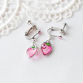 ピンクのイチゴのイヤリング * ragazza gemelli