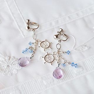 青とシルバーカラーのイヤリング * Gift
