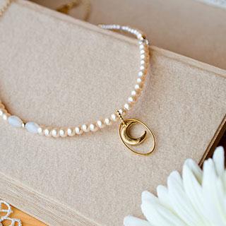 月とガラスパールのネックレス * Gift