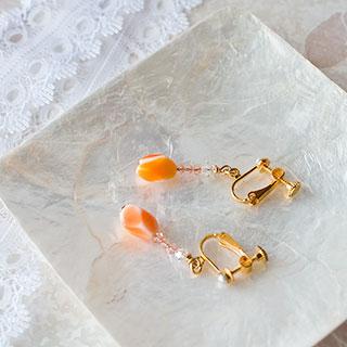 チェコビーズのイヤリング * Gift